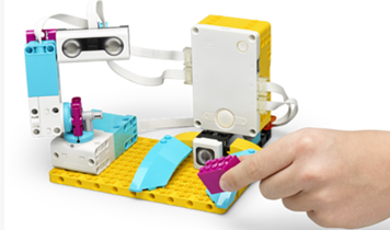 Lego Education Spike Prime _robot making